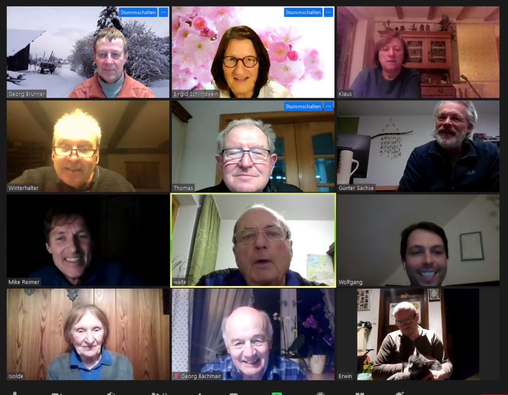 Vorstandsmitglieder freuen sich über erfolgreich Sitzung
